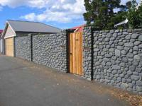 Каменный забор - монолитный вариант